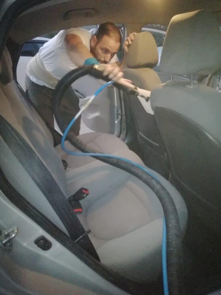 טיפים לניקוי מושבי רכב - בומבה ניקיון